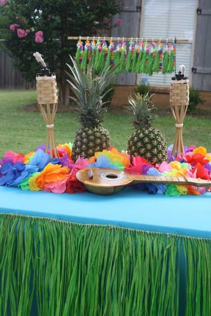 1000 Ideas About Luau Table Decorations On Pinterest