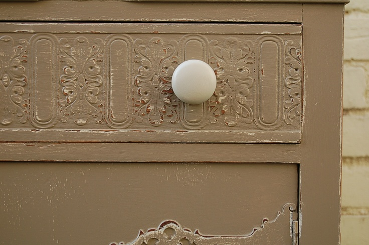 1000 Images About Dressers By Peeling Paint On Pinterest Vintage Dressers Mirrored Dresser