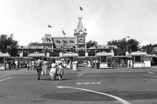 Disneyland Entrance Anaheim Circa 1960 A Walk Down