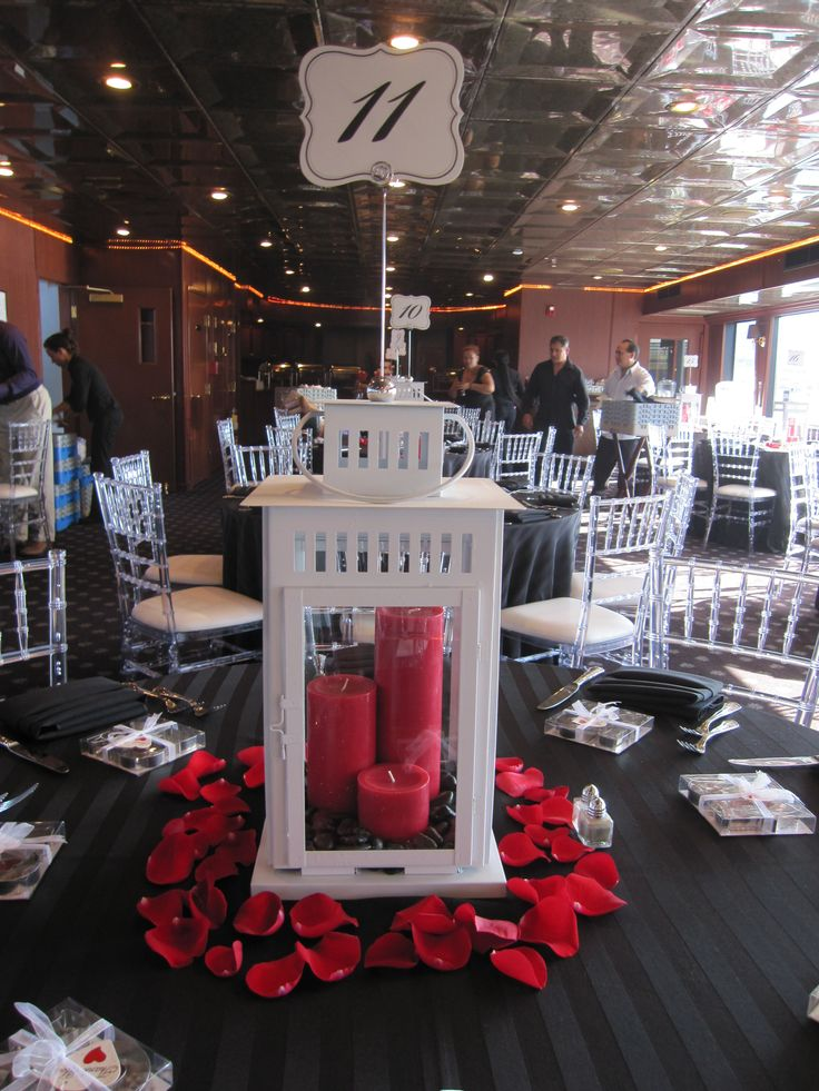 Lantern Centerpiece With Rose Petals Sara Amp Joe Ideas