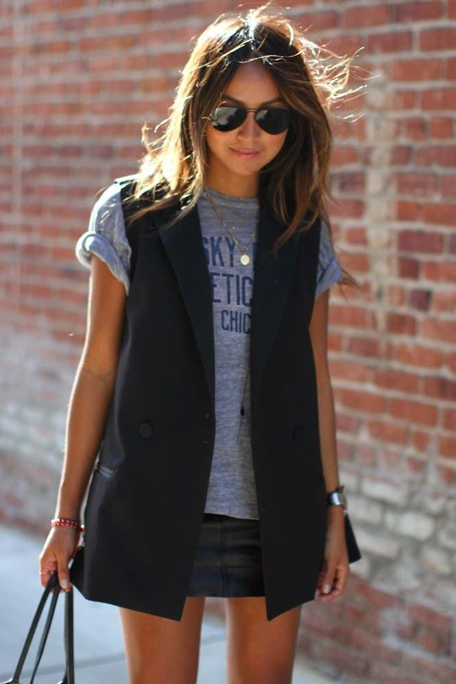 Casual black sleeveless blazer look.: