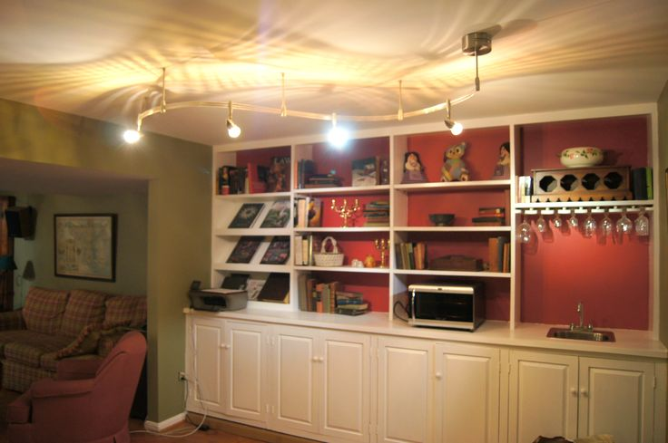 Built-in Bookcase/wet Bar In Family Room