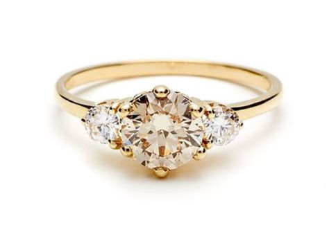 How gorgeous is this engagement ring?