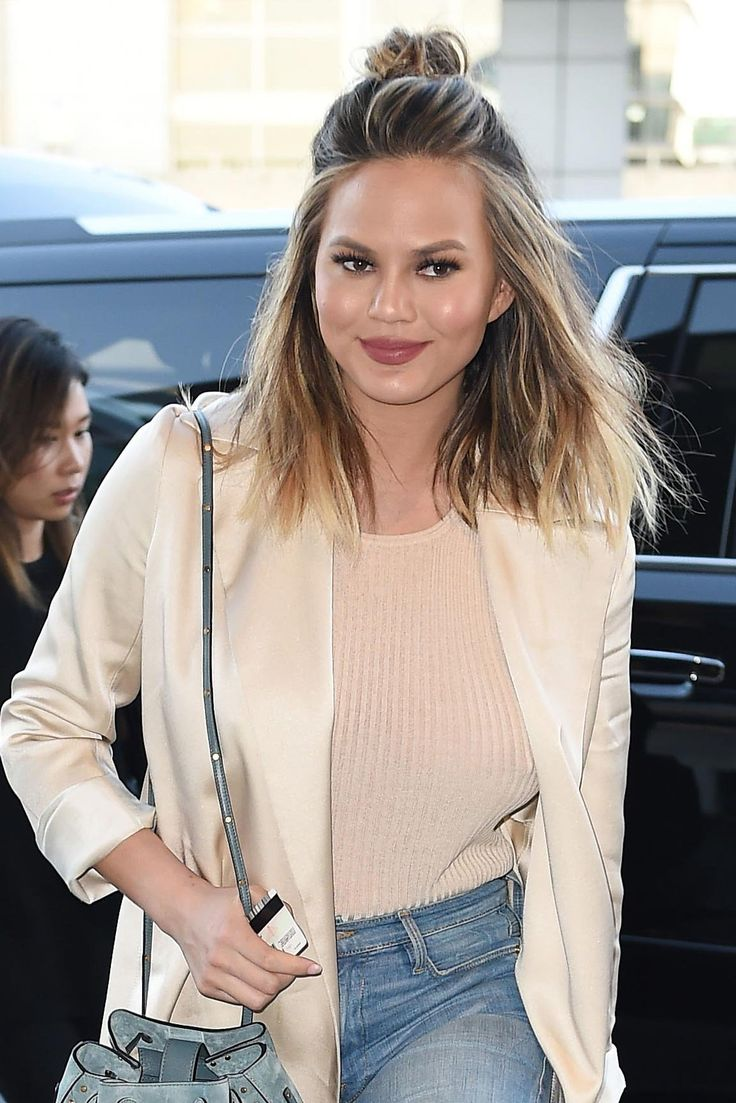 How Chrissy Teigen Upgrades Her Beachy Waves In Seconds