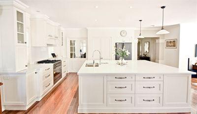 Kitchens By Emanuel 5141 Frosty Carrina Caesarstone