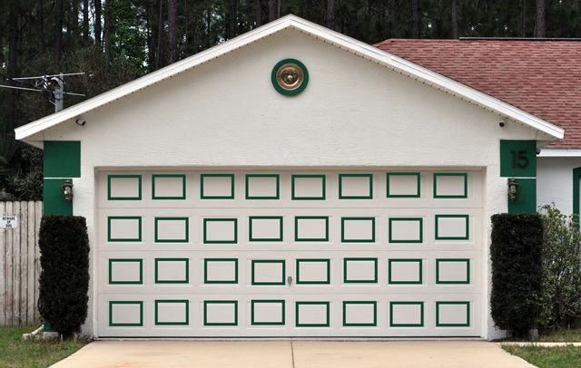 17 best images about Exterior house colors on Pinterest ... on Garage Door Painting Ideas  id=58369