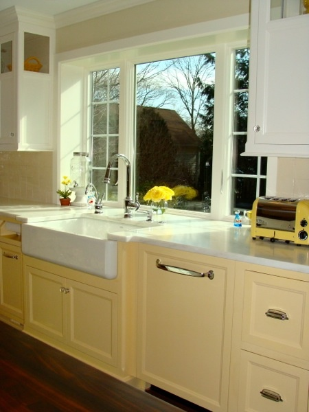 Love This Window Over Sink Kitchen Remodel Materials Pinterest Basin Sink Colors And The