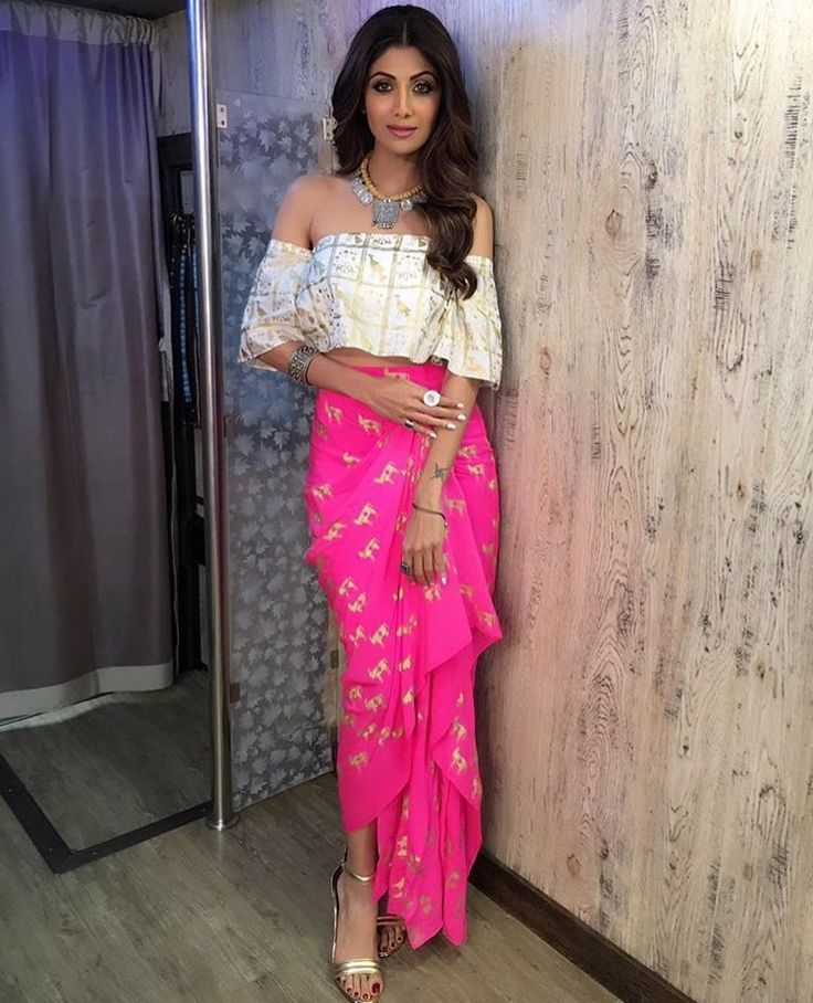 1000 Ideas About Shilpa Shetty On Pinterest Indian Dresses Indian Outfits And Indian Lehenga