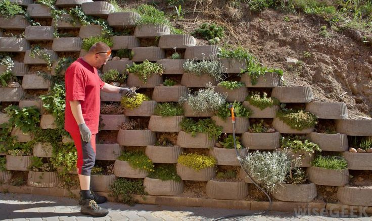 some retaining walls even leave room for the addition of on retaining wall blocks id=59784