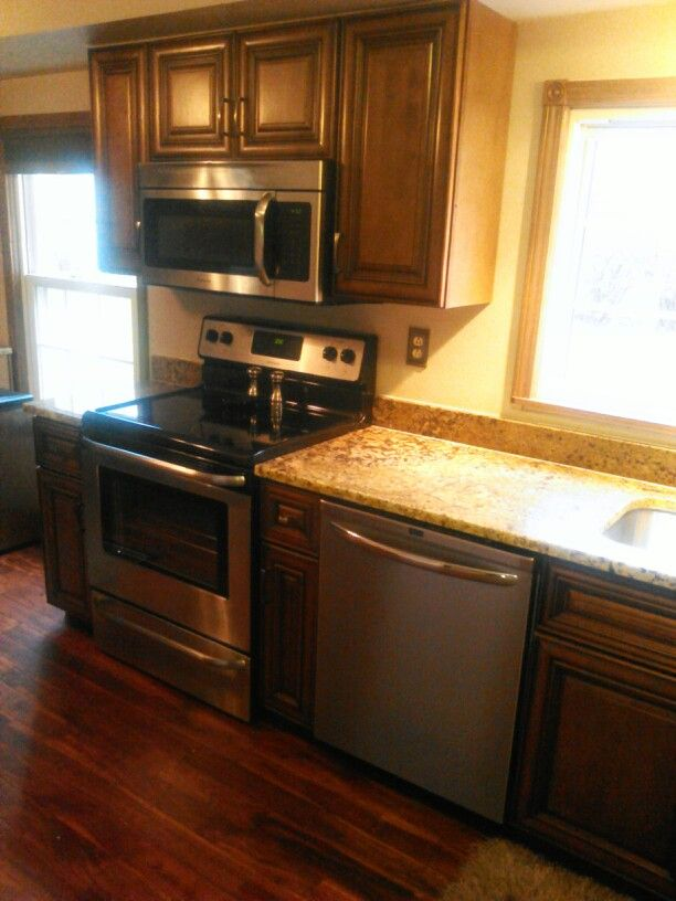 1000+ images about Maple cabinets on Pinterest | Stains ... on Best Granite Color For Maple Cabinets  id=41732
