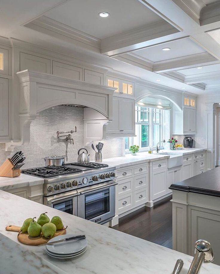 3256 best k i t c h e n s images on pinterest on kitchen cabinets to the ceiling id=35887