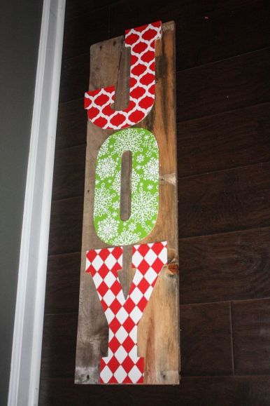 Easy DIY JOY Pallet Sign: