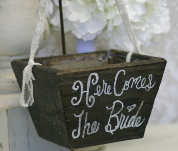 @Emma Craft Flower Girl Basket Here Comes The Bride..Layla…this is super cute! Logan has a wooden sign and Sami a wooden basket
