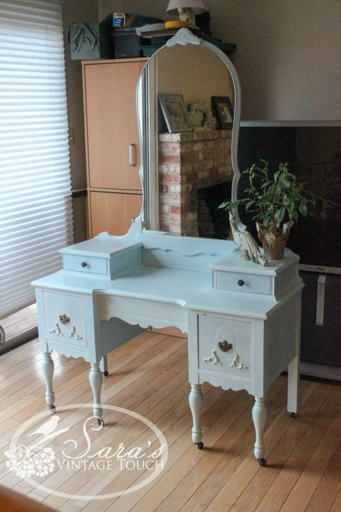 Antique Makeup Vanity Dressing Table Refinished In Maison Blanche S Chalk Paint By Sara Vintage