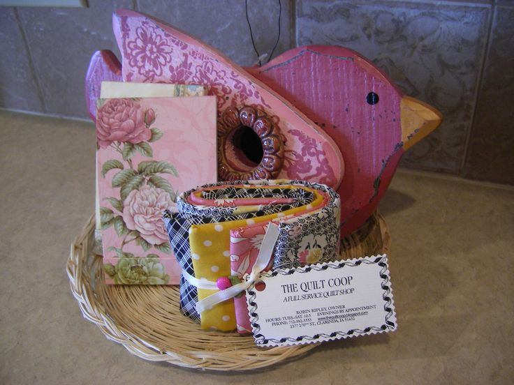 Quilting Themed Centerpieces For Retreat