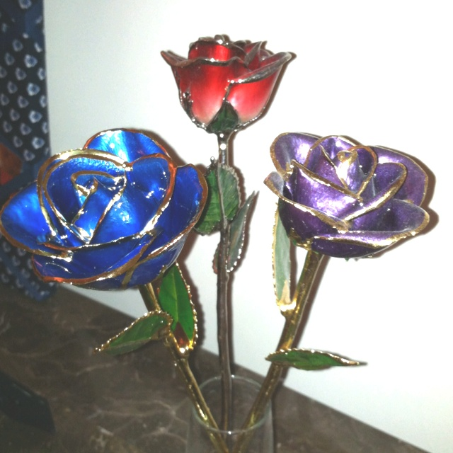 Awesome Gift Goldplatinum Dipped Roses From I Hate Steven Singer Holiday Ideas Pinterest