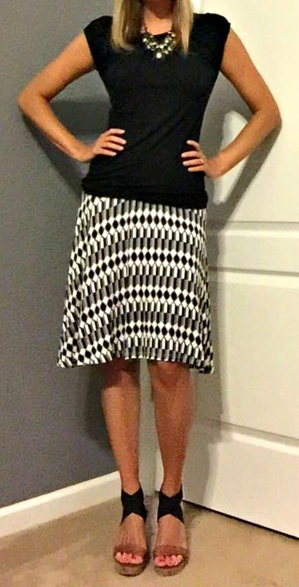 Stitch Fix Review August 2015 – Papermoon Kasidy Geo Print Skirt – gorgeous black & white print – soft fabric!