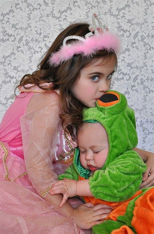 1000 ideas about Sibling Halloween Costumes on Pinterest