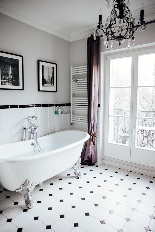 The Most Beautiful Bathtub Overlooking The Eiffel Tower