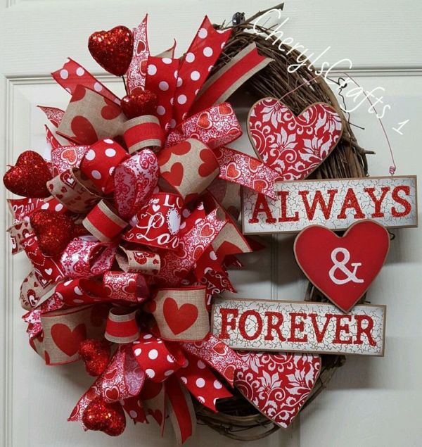 25+ Best Ideas about Valentine Day Wreaths on Pinterest ...