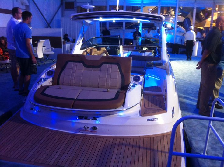 Ooh Aaaah The New Sea Ray 350 SLX Lights Up At The Fort