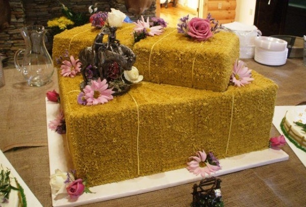 Hay Bale Cake Grass Tip #233, Wilton Brown Color