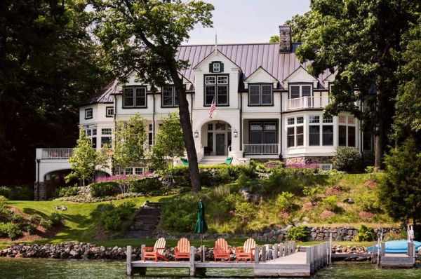A gorgeous farmhouse style home on Big Cedar Lake | French ...