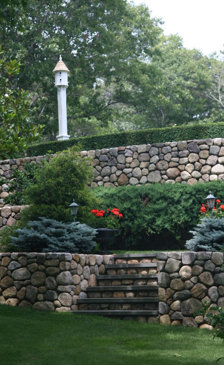 1000 images about retaining wall ideas on pinterest on stone wall id=86246
