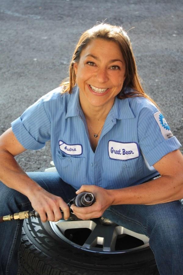 Yup! Auto Mechanics CAN be women! Who Knew...   WAK ...