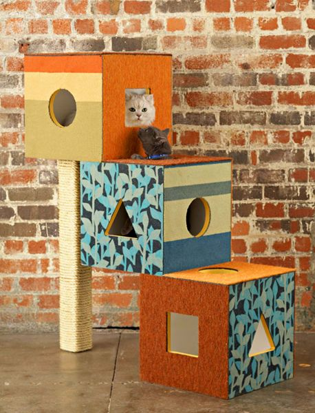 kitty boxes (they LOVE boxes) with scratching post…cool idea that looks easy t