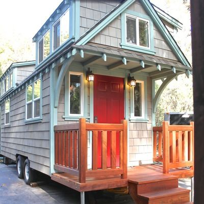 Man Builds Mobile Tiny Cottage with