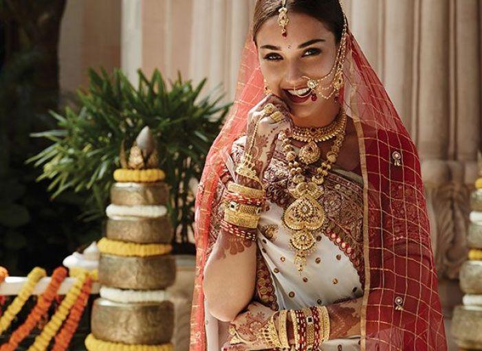 Indian bridak looks: Marwari bride