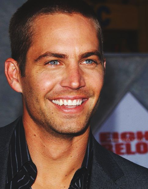 Paul Walker…ummmm, BEAUTIFUL! I don't even know who this guy is, but I sure do