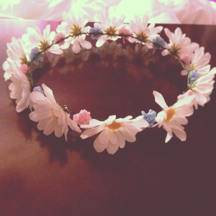 Homemade Flower Crown Using Hot Glue Fake Flowers And