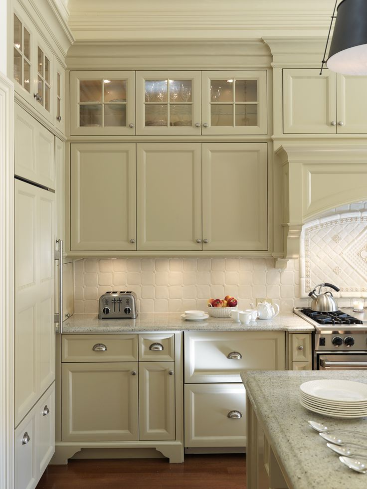 166 best images about kitchen dream on pinterest antique white cabinets traditional kitchens on kitchen cabinets upper id=40864