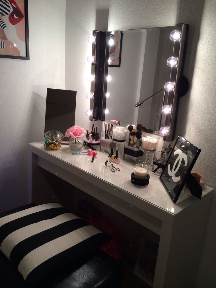 17 Best images about Makeup/Beauty Room Ideas on Pinterest ... on Makeup Room Design  id=21001
