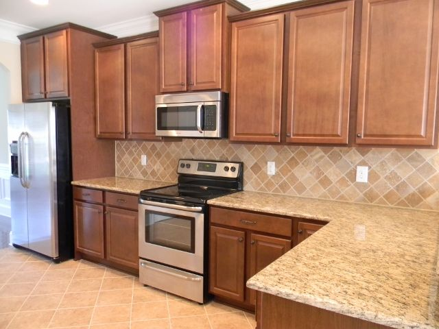 Merveilleux Fairfield Maple Nutmeg Kitchen Cabinets Www Redglobalmx Org