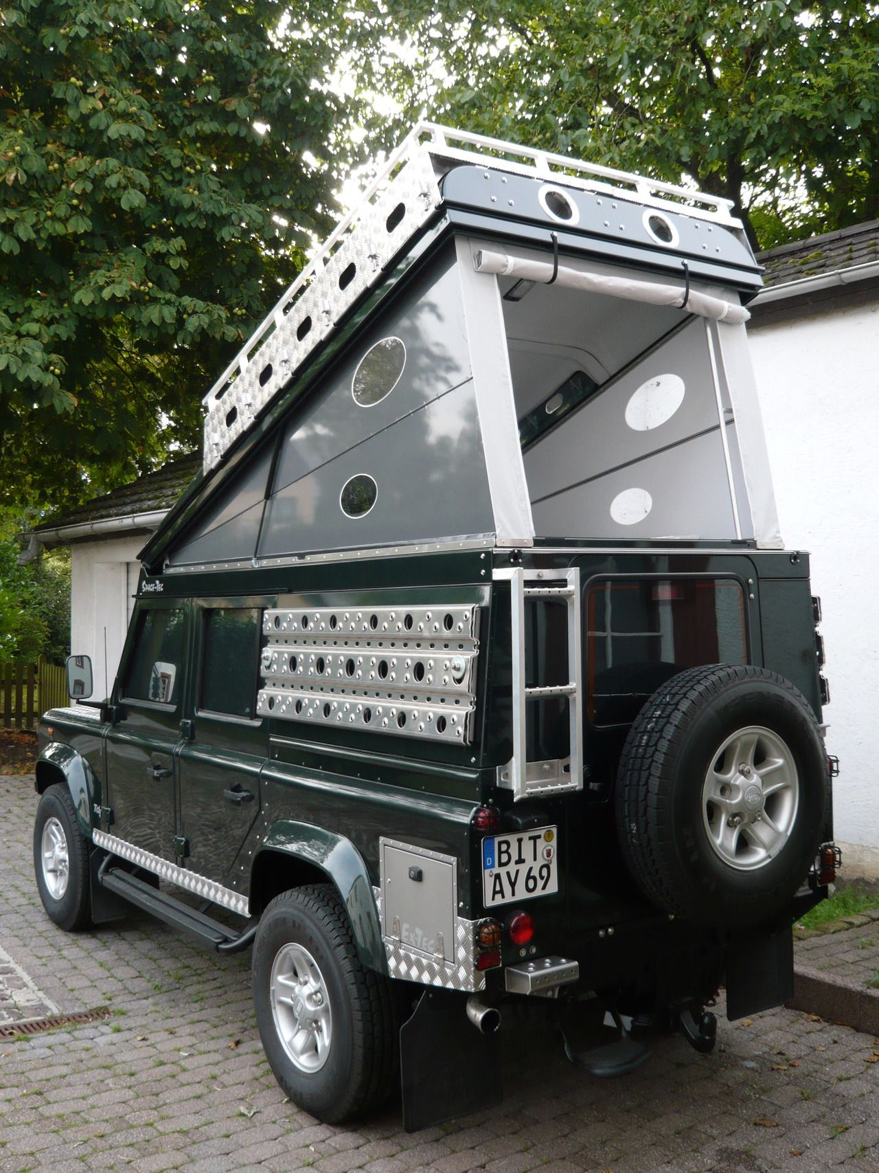 Land Rover Defender 110 Custom Expedition We re drooling