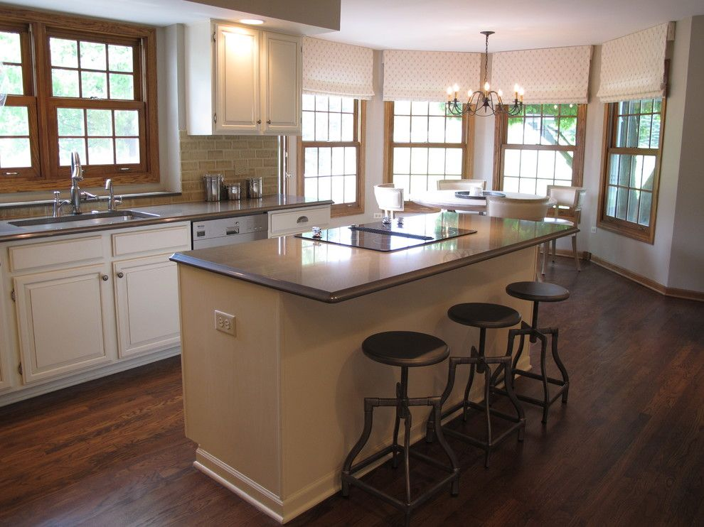 find any oak trim kitchen traditional with grey glaze chicago and product by http www on kitchen cabinets trim id=94215
