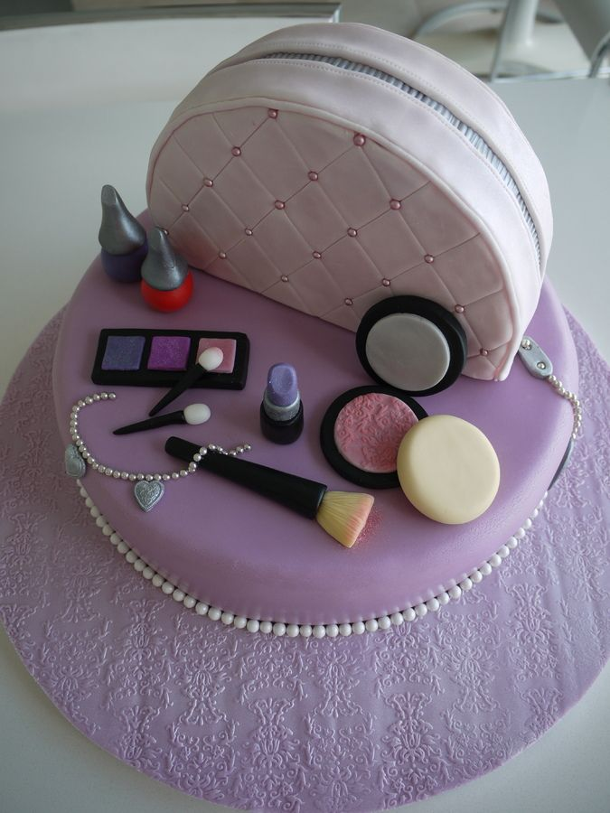 10 Year Old Girl Birthday This Is A Vanity Case Cake For
