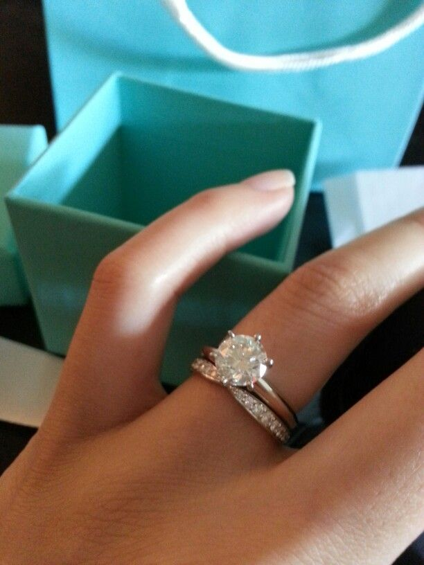 30 Custom Engagement Rings That Feel Like They Were