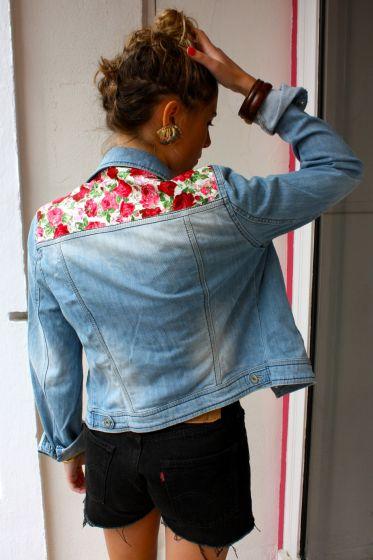diy 10 id es pour customiser une veste en jean mademoiselle farfalle. Black Bedroom Furniture Sets. Home Design Ideas