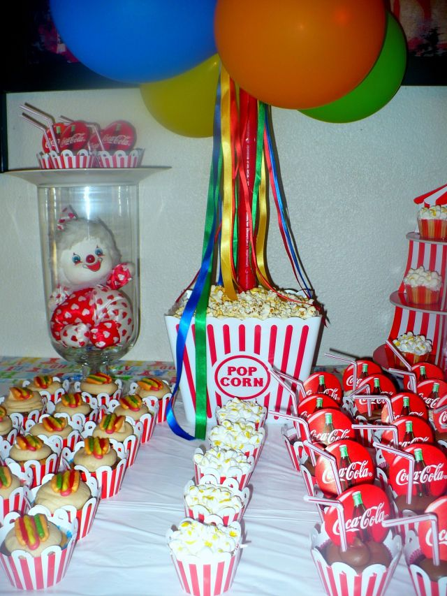 Carnival theme partyi like balloons and ribbon party