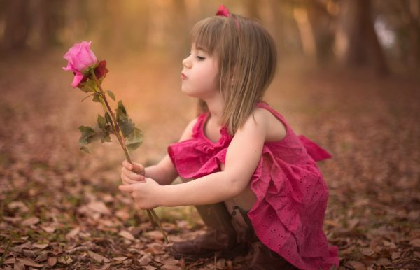 Wallpaper Beautiful Small Child Baby Wall With Lovely ...