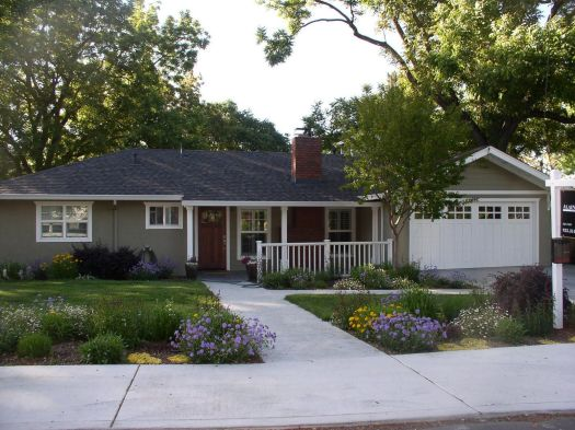 Inspiring Marvelous And Enchanting Exterior Color Schemes For Ranch Style Homes House Paint Combinations Home Colors Also