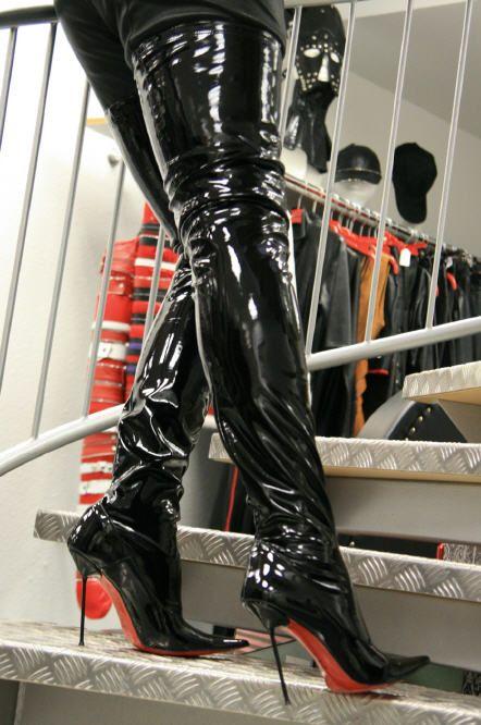 Fashion Unlimited - High-Heels, Overknee Stiefel, Pumps ...