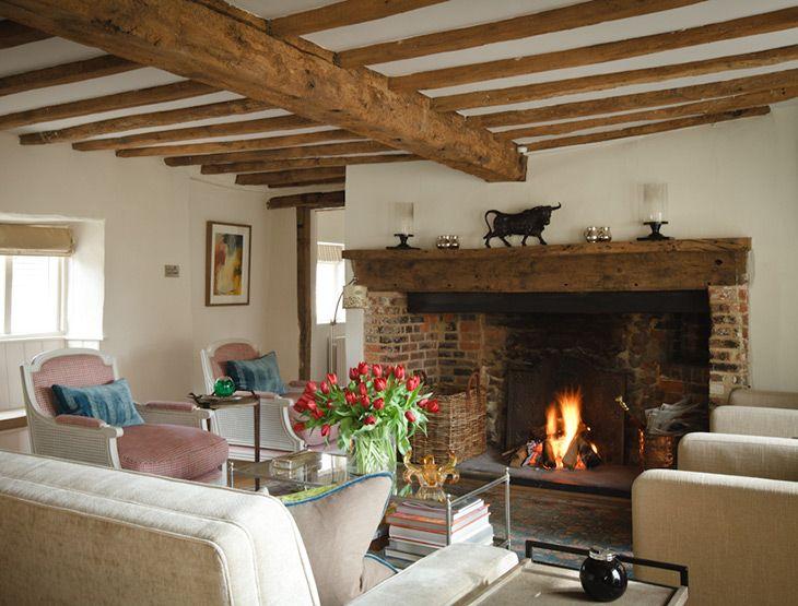 Country cottage interior design ideas uk for Interior decorating consultant