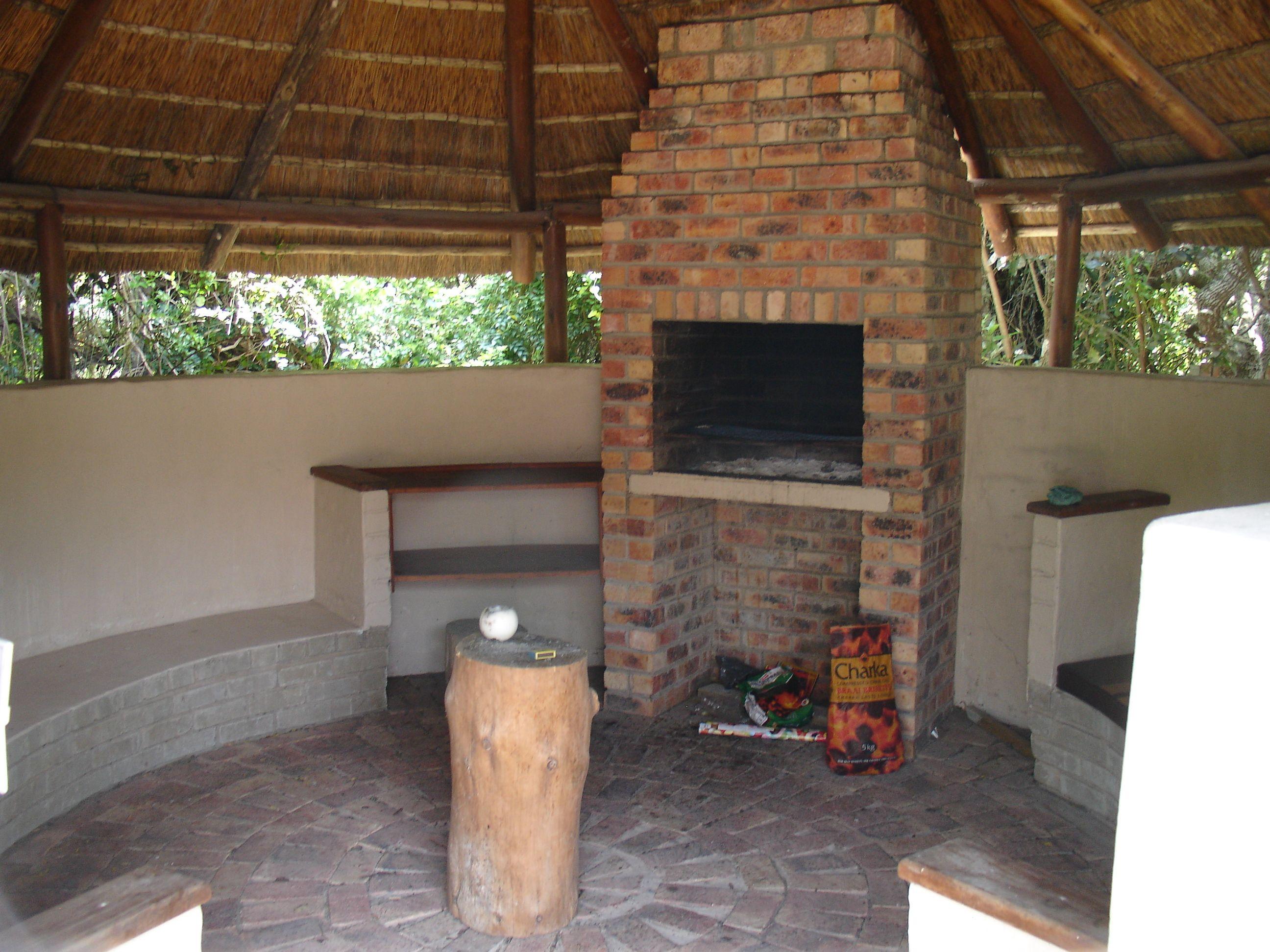 lapa braai easy plain | Our home | Pinterest | Easy ... on Small Backyard Entertainment Area Ideas id=58150