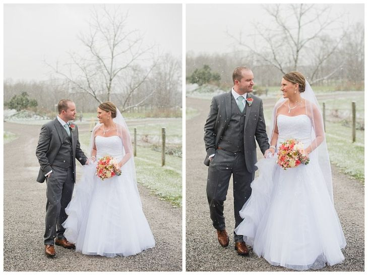 A Snowy Barn Wedding u Jorgensen Farms  photosbyashleyd