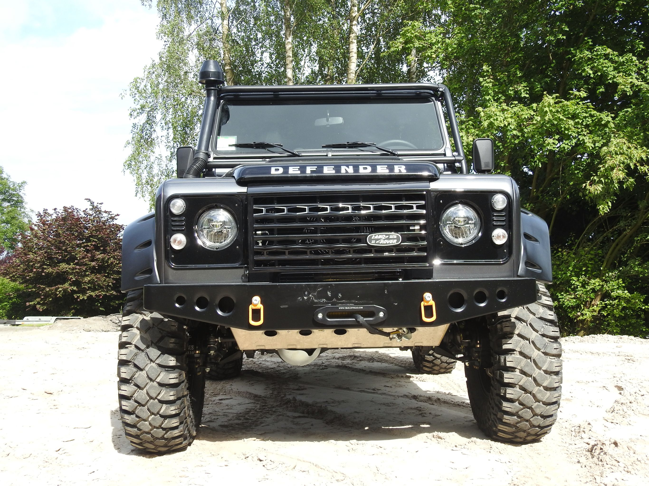 Land Rover Defender 90 Adventure Tibus Tuning